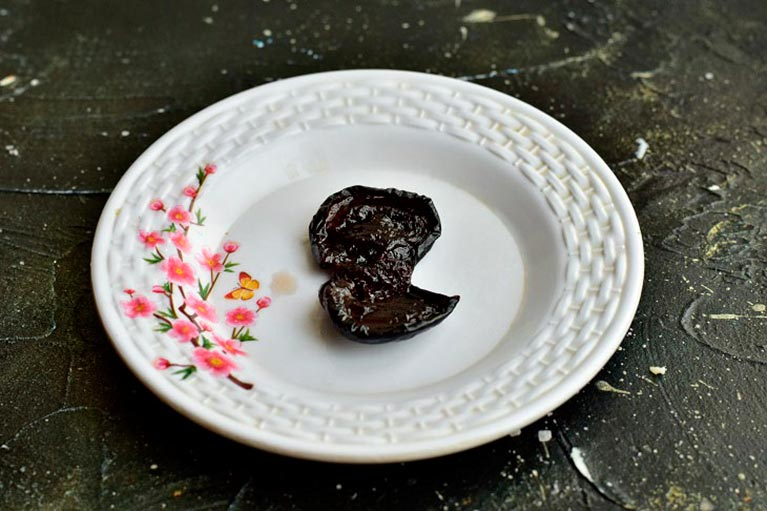 Мидии из чернослива к Новому Году — закуска, которая приводит в неописуемый восторг